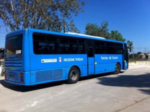 Giardinetto (Foggia), scontro bus Ferrovie del Gargano con auto: 2 morti