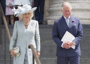 """""""Sono il figlio segreto di Carlo e Camilla. Harry e Meghan sono fuggiti per questo"""""""