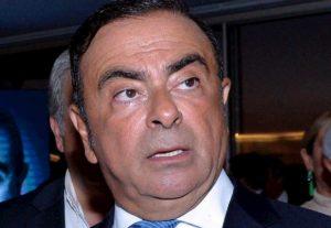 Carlos Ghosn, la stupefacente fuga nascosto in una custodia per contrabbasso