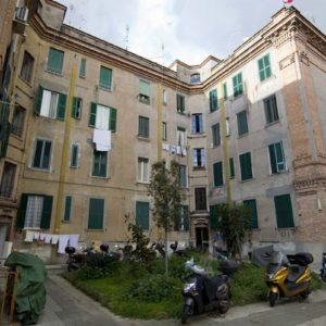 Case popolari Lazio. Zingaretti ne assegnerà una quota del 10% agli occupanti abusivi