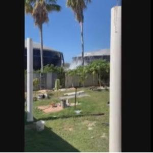 Isole Cayman, cisterne svuotate dell'acqua dal violento terremoto