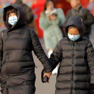 """Coronavirus. Alla larga da Wuhan: """"Non partite, non venite"""". E ci si mette anche il Capodanno cinese"""