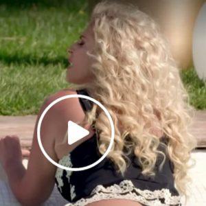 """La Pupa e il Secchione 2020, Francesca Cipriani in piscina: """"Mi è scoppiata una protesi"""""""