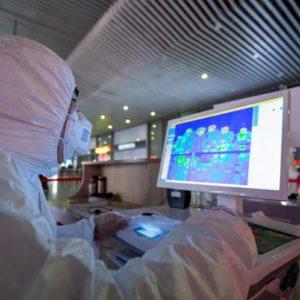 """Coronavirus, allarme Oms: """"Elevato rischio a livello globale"""". 44mila contagi a Wuhan, picco a fine aprile"""