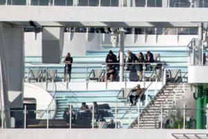 Coronavirus, test negativi per i 2 casi sospetti sulla Costa Smeralda a Civitavecchia. Ma niente sbarco, la nave non ripartirà stasera