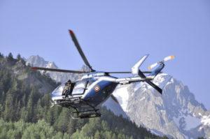 Maestro di sci cade da elicottero per 400 metri e muore a La Thuile