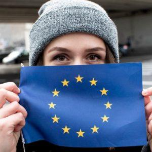 """Brexit, il Regno Unito si disfa anche di Erasmus. Lo storico Shama: """"Miserabile"""""""