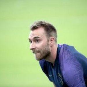 Calciomercato Inter, è fatta per Young. Anche Eriksen in arrivo, l'agente è a Milano