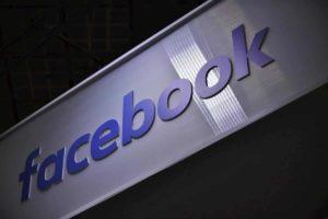 Facebook continua a non avvisare gli utenti sull'uso dei dati. Antitrust di nuovo all'attacco, rischio multa di 5milioni di euro