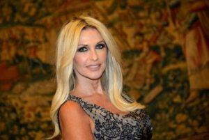 """Paola Ferrari e le colleghe: """"Monica Vanali è la n.° 1. Ma il pubblico Mediaset vuole solo 'figacci***'"""""""