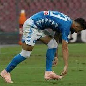 Napoli-Lazio, Hysaj: prima chiede il rigore per il braccio di Acerbi, poi viene espulso nella stessa azione