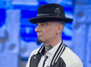 """Junior Cally a Sanremo, J-Ax: """"Anche Eminem, invitato, in una sua canzone..."""""""