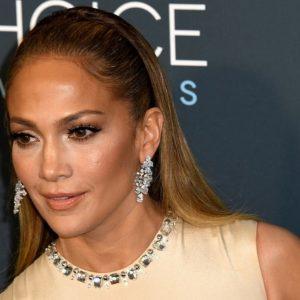 """Jennifer Lopez: """"Mi piacerebbe vivere in un paesino in Italia"""". E il sindaco di Cagliari la invita"""