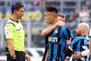 Conte e lo strano diritto dei giocatori dell'Inter di insultare l'arbitro. Immunità e piagnistei