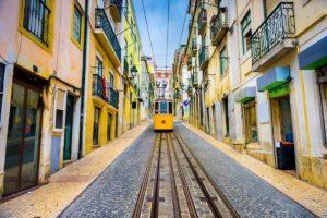 Pensioni zero tasse, il Portogallo cambia idea: aliquota 10%. Ma non vale per chi si è già trasferito