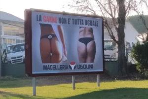 Macelleria espone cartello sessista a Riccione: La carne non è tutta uguale