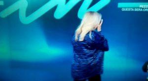 """Mara Venier piange per fare ascolti? La risposta di Maurizio Costanzo ad una spettatrice: """"Perché pensare male?"""""""
