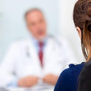 Allontanare la menopausa di dieci anni: la promessa di una clinica inglese