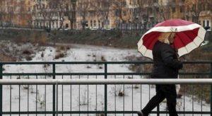 Meteo, arriva il weekend della Candelora: pioggia e nebbia, ma il clima sarà mite