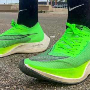 Nike Vaporfly fanno andare più veloci. Saranno bandite dalle Olimpiadi?