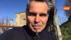 Piero Pelù volontario, appello per ripulire spiaggia della Feniglia