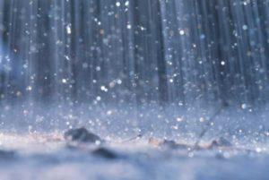 Previsioni meteo Italia: torna la pioggia nel weekend. Buona notizia contro lo smog