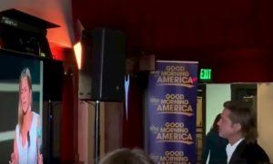 SAG 2020, tra Jennifer Aniston e Brad Pitt baci e abbracci. E i fan tornano a sperare