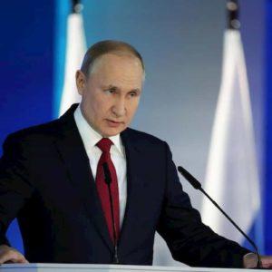 Vladimir Putin a lui la Russia, a vita. Così è se vi piace