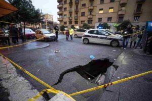 Roma: in crescita gli incidenti per scarsa luce e marciapiedi sconnessi. Allarme dei medici
