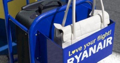 Ryanair aumenta ancora il prezzo dei trolley: fino a 15,40€ in più per portarlo a bordo