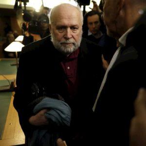 """Abusi su minori nella Chiesa, l'ex parroco francese Preynat confessa: """"Quattro o cinque bambini a settimana"""""""