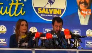 """Salvini: """"Rifarei tutto, anche il citofono. Mai subite tante minacce"""" VIDEO"""
