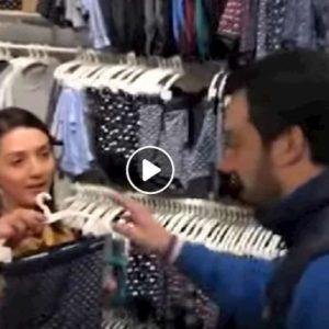Matteo Salvini compra mutande e calzini. Anche per i collaboratori VIDEO