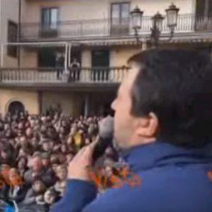 """Salvini ai contestatori: """"Mia figlia di 7 anni fa discorsi più articolati"""" VIDEO"""