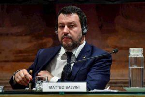 """Matteo Salvini: """"Sono pronto alla prigione"""". Dove non andrebbe mai, neanche se condannato"""