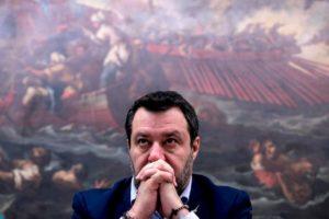 """Nave Gregoretti, Salvini a Conte e Di Maio: """"Stavate con me, ecco le prove"""". La memoria difensiva"""