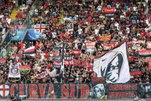 """Milan, cori a San Siro sul crollo del Ponte Morandi? Toti e Bucci: """"Vergogna"""""""