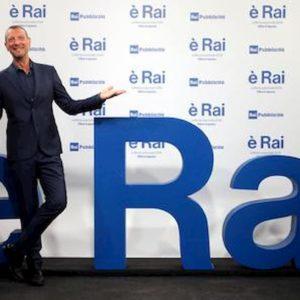 Sanremo 2020, Massimo Ranieri con Tiziano Ferro canta Perdere l'amore