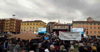 """Sardine, a Bologna il concertone di domenica 19 gennaio. Santori: """"Bonaccini non ci ha cercato, M5s sì"""""""