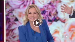 """Simona Ventura a La Repubblica delle Donne: """"La lotta nel fango all'Isola il punto più basso della mia carriera"""""""
