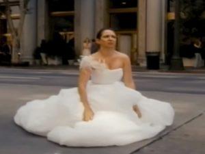 """Sposa ha attacco di diarrea durante il matrimonio. La wedding planner: """"Il vestito da 12mila dollari era pieno di mer.."""""""