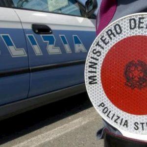 Crotone, scontro fra due auto sulla Silana Crotonese: un morto, 4 feriti. Due sono bimbi