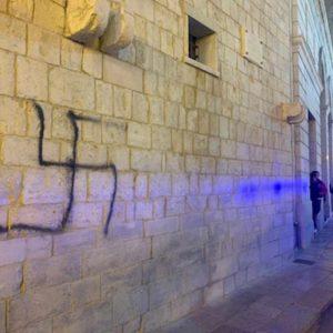 Torino, scritte antisemite sul campanello della figlia di un partigiano. E' il terzo caso in Piemonte