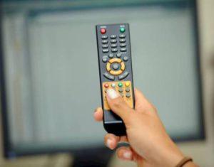 Tv, verifica se è da cambiare: vai ai canali 100 o 200 del digitale terrestre