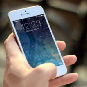 AgCom, stop al diritto delle compagnie telefoniche di cambiare liberamente i contratti