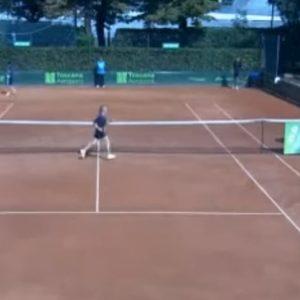 """Tennis, arbitro rimosso a vita dall'Atp: disse """"sei calda"""" a una raccattapalle 17enne"""