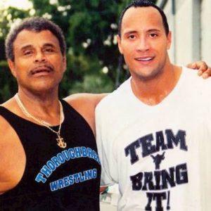 Rocky Johnson è morto, il padre dell'attore The Rock e famoso wrestler aveva 75 anni