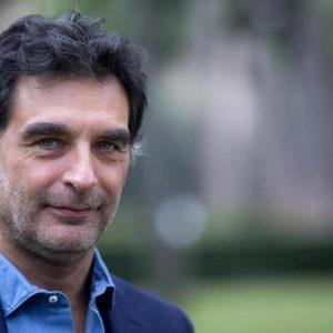 """Uno Mattina in Famiglia, Tiberio Timperi al calabrese: """"Se non ti aiutiamo finiamo a fare piloni della Sa-Rc"""""""