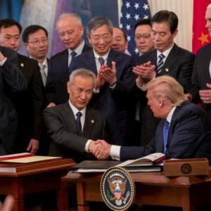Dazi, Usa e Cina firmano l'accordo. Trump esulta, le Borse volano: ma è solo una tregua armata