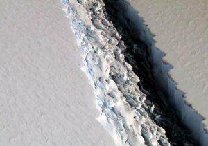 A68, l'iceberg antartico grande come la Liguria sta per tuffarsi nell'oceano